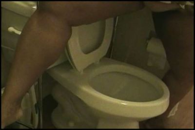 Mistress loves farting in the toilet
